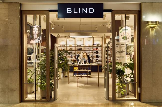 Suministrada Blind