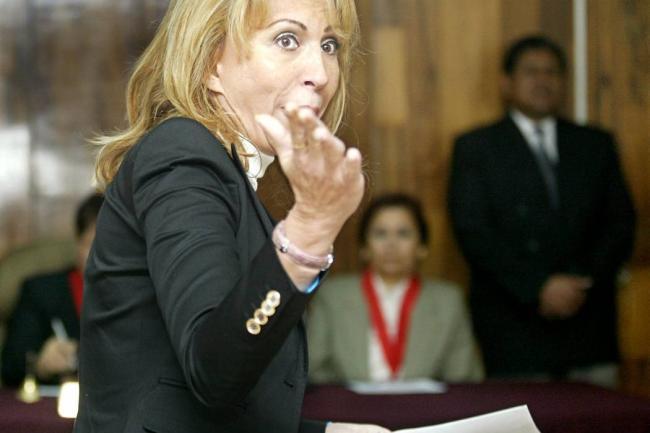 ¿Qué le pasó? Laura Bozzo abandona México en silla de ruedas