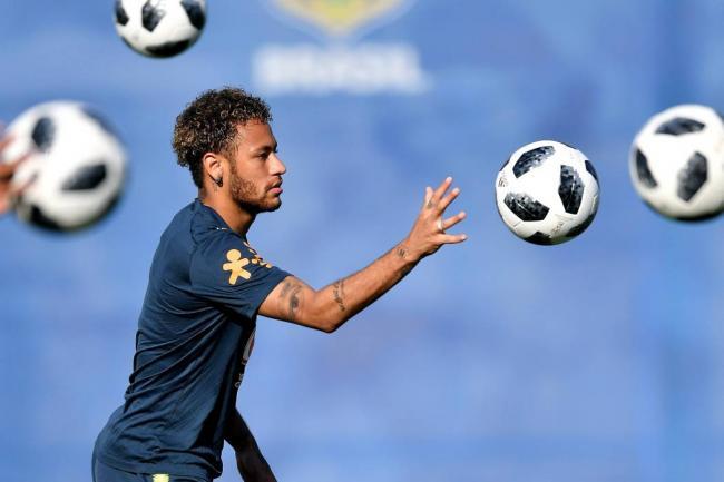 Coutinho 'estrena' al Barça en el Mundial con un golazo
