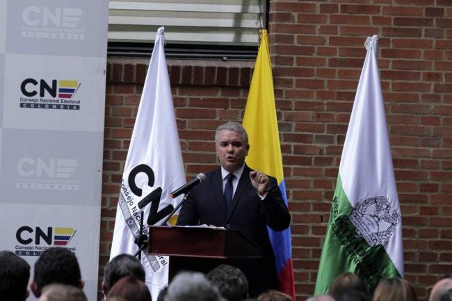 Nuevo ministro de Viviendo corrigió en diciembre a Natalia Bedoya