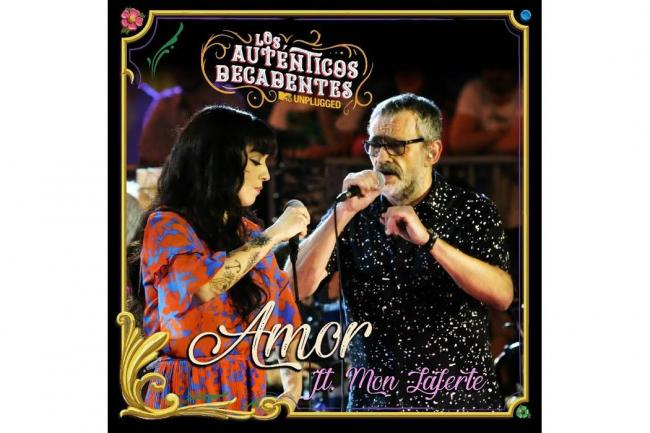 Los Autenticos Decadentes le cantan al Amor con Mon Laferte