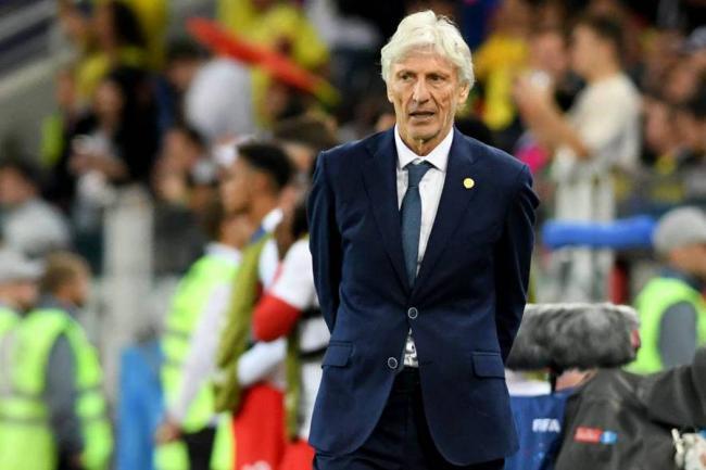 Batistuta le sugiere a Pékerman no ser seleccionador de Argentina
