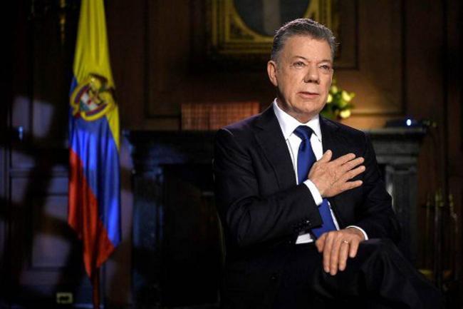 ¿Manuel Santos salió del país sin autorización del Congreso?