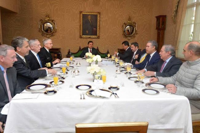 China y Venezuela, grandes protagonistas de la gira de Mattis por Sudamérica