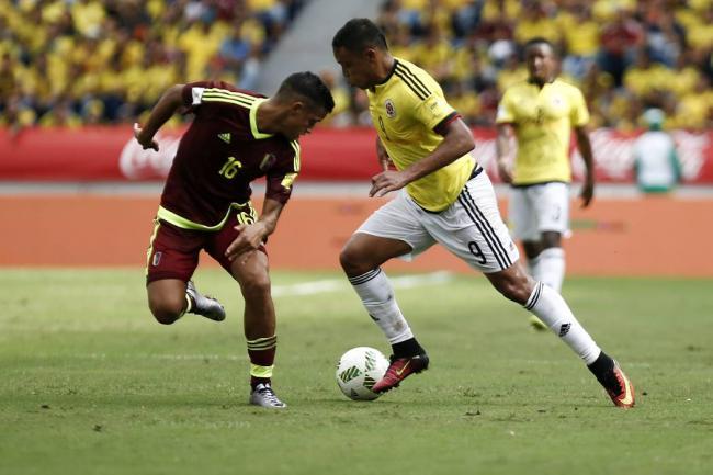 Colombia vence 2-1 a Venezuela al inicio de era pos-Pekerman