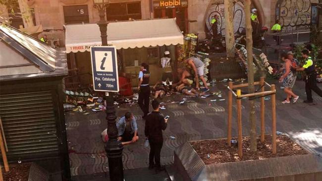 Imágenes del atentado terrorista en Barcelona que deja 13 muertos