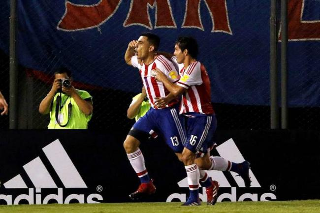 Paraguay jugó para Colombia al vencer a Ecuador 2-1