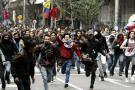 Una explosión ocurrida en la marcha del paro estudiantil nacional que se desarrolla en la mañana de este miércoles dejó un estudiante muerto y al menos dos herido, según informó a El País el director de traumatología, Laureano Quintero.