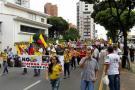 Masiva marcha en Bucaramanga en contra de Santos