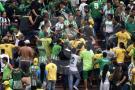 Pelea entre hinchas en partido del Bucaramanga contra Nacional