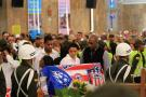 Familiares de Édgar Perea discuten al final de la velación