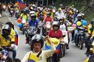 Pese a fuertes lluvias, maestros protestaron en Bucaramanga