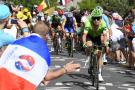 El colombiano Rigoberto Urán sigue a la expectativa en el Tour de Francia en el que marcha cuarto. Ayer, junto al francés Romain Bardet, lanzó un ataque en el último premio de montaña.