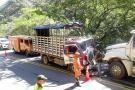 Invasión de carril, posible causa de accidente en la vía San Gil-Bucaramanga