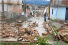Calles destruidas y viviendas inundadas por desbordamiento de quebradas en Málaga