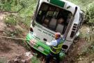 Imágenes del rescate de cinco heridos en accidente de buseta en Floridablanca