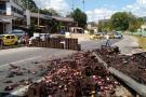 Imágenes del volcamiento de un tractocamión en Floridablanca