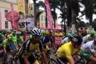 Entre aplausos y pedalazos, la Vuelta a Colombia partió de Bucaramanga