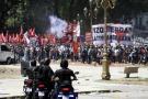 Violencia fuera de Congreso argentino se recrudece durante pleno de pensiones