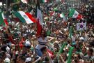 Mexicanos se toman la embajada de Corea para agradecerles por la clasificación