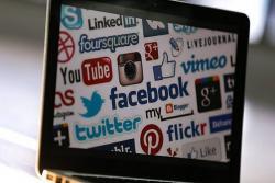 Las mamás usan redes sociales los viernes y de lo que más hablan es sobre salud