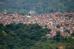 El barrio La Cumbre con una población aproximada de 70 mil habitantes se está quedando sin zonas verdes.