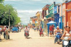 En el casco urbano de San Pablo, sur de Bolívar, es común observar a la ciudadanía movilizándose sin el respectivo casco reglamentario.