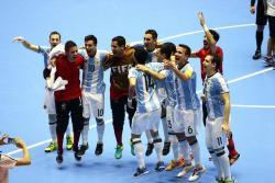Ante la ausencia de Brasil, Argentina es la encargada de mantener la hegemonía de Suramérica en la Copa Mundo de Fútbol Sala, y para lograrlo, deberá derrotar al equipo más sólido del torneo: Rusia, que sólo suma victorias en el Mundial de Colombia 2016. La final será a las 2:30 p.m.