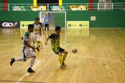 Real Bucaramanga recibirá esta noche a Alianza Platanera, en el primer partido de las semifinales de la Liga Argos de Fútbol Sala. El duelo, que se disputará en el coliseo Bicentenario, comenzará a las 8:00 p.m. La otra semifinal será Deportivo Meta vs. Real Antioquia.