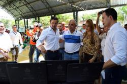 Hacia el mediodía inició la agenda del ministro de las TIC, David Luna, en Barrancabermeja, con su visita al Colegio José Prudencio Padilla.