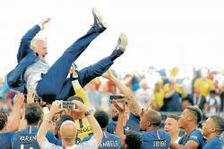 El entrenador Didier Deschamps logró conformar un grupo que más allá de sus individualidades, hizo valer el peso del colectivo. En el orden defensivo y en la efectividad en el frente de ataque, Francia encontró las 'armas' para conseguir el título.