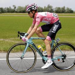 Dramática caída de Steven Kruijswijk en la etapa 19 del Giro de Italia