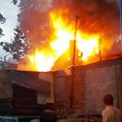 Imágenes del incendio que dejó granizada en asentamiento de Bucaramanga