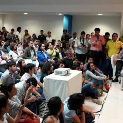 La senadora Claudia López argumentó en el Congreso de Estudiantes por la Paz de la UCC, las razones por las que promueve el Sí en el plebiscito que refrendará los acuerdos de La Habana.