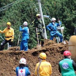 Siete muertos y 11 desaparecidos, balance del derrumbe en la vía Medellín - Bogotá