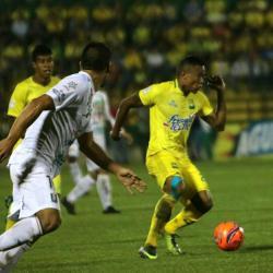 Video registró enfrentamiento entre hinchas y jugadores del Atlético Bucaramanga