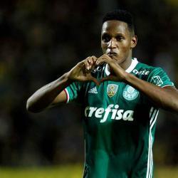 ¿Yerry Mina se robó unos equipos de fotografía en medio de la trifulca en Libertadores?