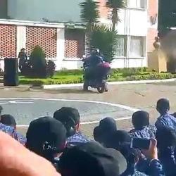 Video registró el momento en el que un bus arrolla a miembro del Inpec en un simulacro