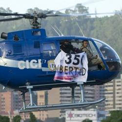 """El Policía llama a desconocer """"cualquier régimen"""" que contraríe las garantías democráticas."""