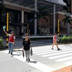 ¿Apoya esta estrategia para peatones en el Centro Comercial Cacique de Bucaramanga?
