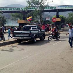 Video registró el pánico por balacera cerca al puente internacional Simón Bolívar
