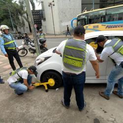 25 multas por $10 millones deja el regreso de los cepos a Bucaramanga