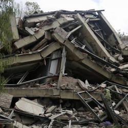 Vea la implosión de la antigua sede del Ministerio de Transporte