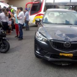 Cámara de seguridad grabó fuerte accidente de tránsito en Bucaramanga