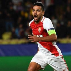 Con un gol de Falcao en el último minuto, Mónaco salvó un punto ante Niza