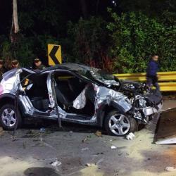 Dos muertos y cuatro heridos dejó accidente en la vía al aeropuerto de Bucaramanga