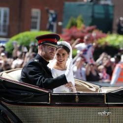 El príncipe Enrique y Meghan Markle encantan las calles de Windsor, Inglaterra