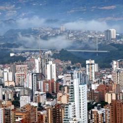 Así se vio la Ciudad Bonita este viernes ante el lente de uno de los reporteros gráficos de Vanguardia Liberal. La bella postal de Bucaramanga fue captada desde uno de los miradores que se ubica en el kilómetro 4 en la vía a Cúcuta.