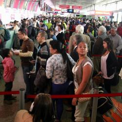 La autoridad migratoria calcula que en esta temporada de mitad de año, entrarán y saldrán del país, más de un millón 700 mil viajeros.
