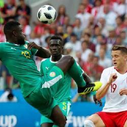 Senegal vence 1-0 a Polonia en el primer tiempo